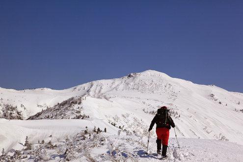 武尊山への稜線