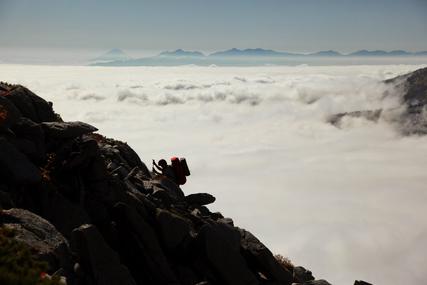 常念岳への稜線