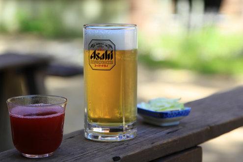 生ビールとこけももジュースとお新香