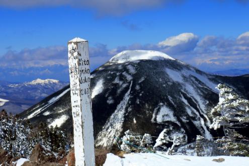 北横岳山頂
